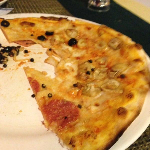 Снимок сделан в Tanta's Thai Restaurant пользователем Tms G. 12/31/2012