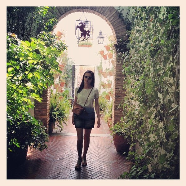 Photo taken at Restaurante El Caballo Rojo by Gala S. on 9/23/2012