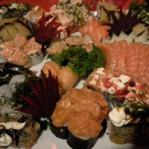 Foto tirada no(a) Hachi Japonese Food por Patty L. em 12/27/2014