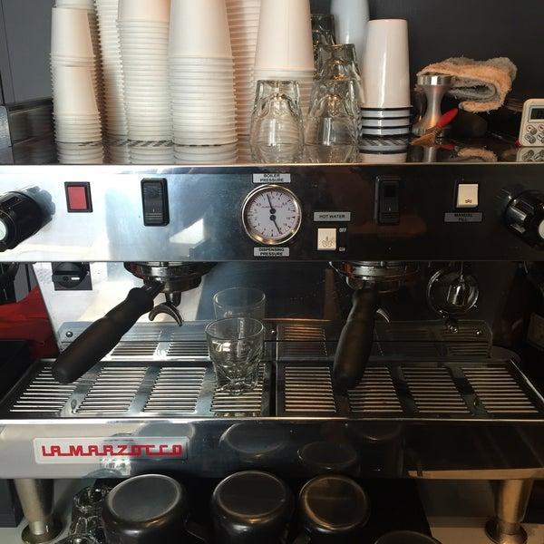 Photo taken at Iron Horse Coffee Bar by Regina G. on 6/8/2015