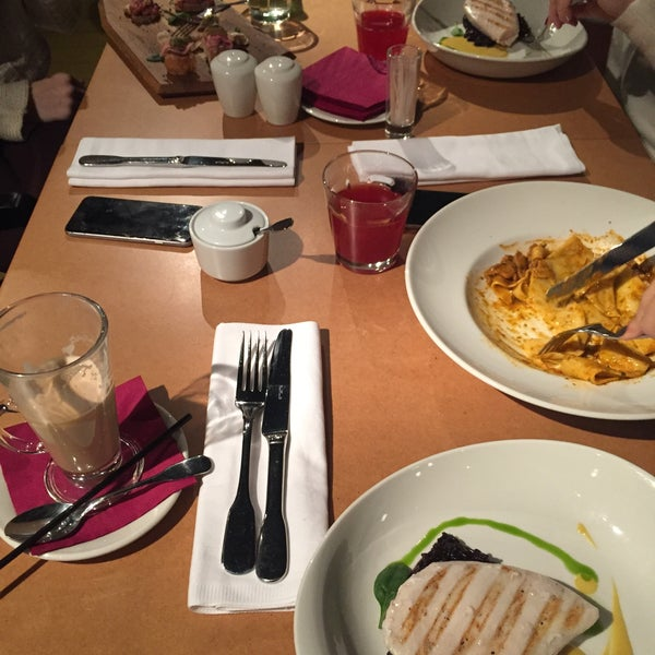 Photo taken at do eat by sofia a. on 10/18/2016
