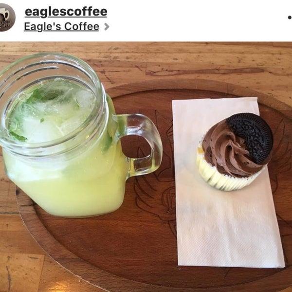 7/7/2017 tarihinde Miray K.ziyaretçi tarafından Eagle's Coffee'de çekilen fotoğraf