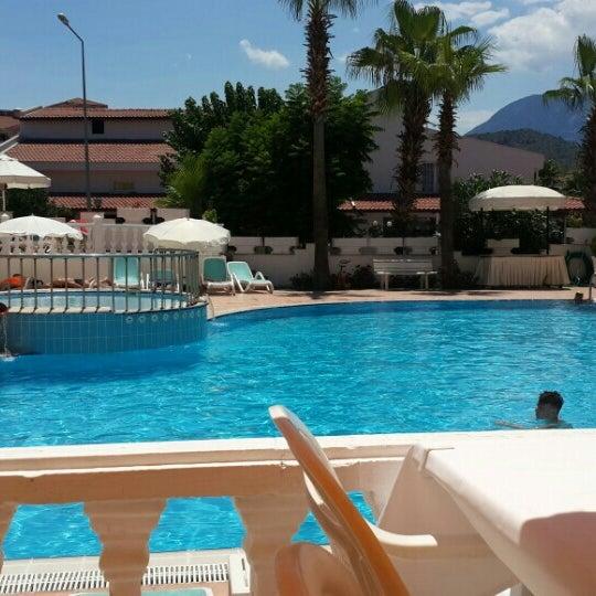 Foto scattata a Sinatra Hotel da Ömer Ş. il 7/5/2016