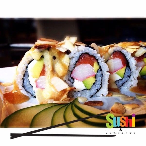 Foto tomada en Sushi & Cebiches por Mónica Gómez Franzin el 9/19/2014