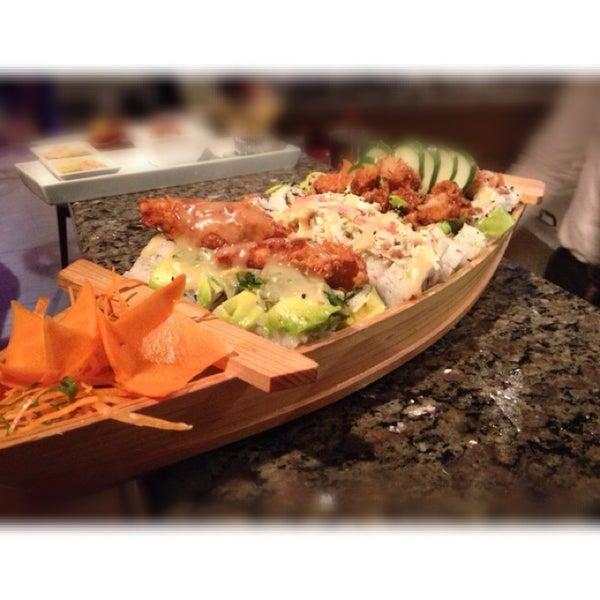 Foto tomada en Sushi & Cebiches por Mónica Gómez Franzin el 5/3/2014
