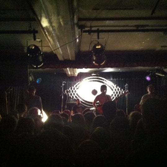 Photo prise au Cafe Du Nord par Ashley H. le11/14/2012