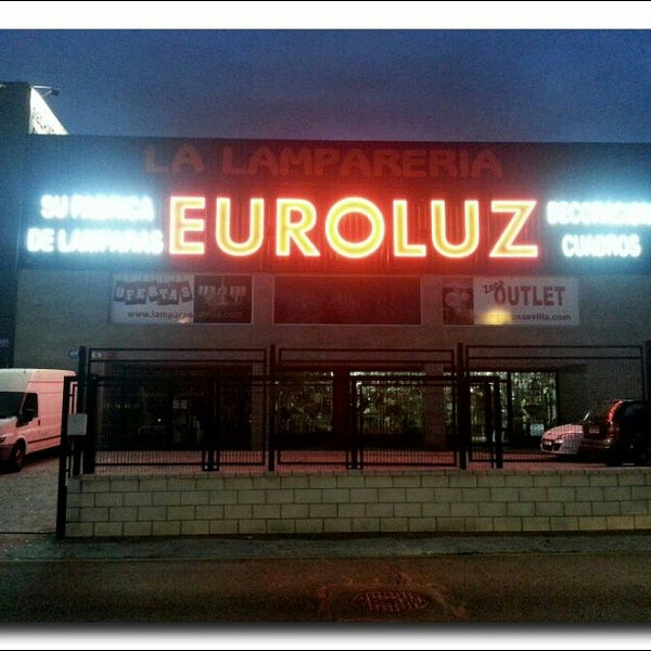 foto tomada en lmparas sevilla euroluz por lamparas s el