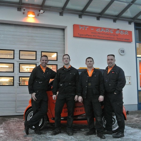 Das Foto wurde bei MT Cars GbR - freie smart Werkstatt Berlin von MT Cars GbR - freie smart Werkstatt Berlin am 1/9/2014 aufgenommen