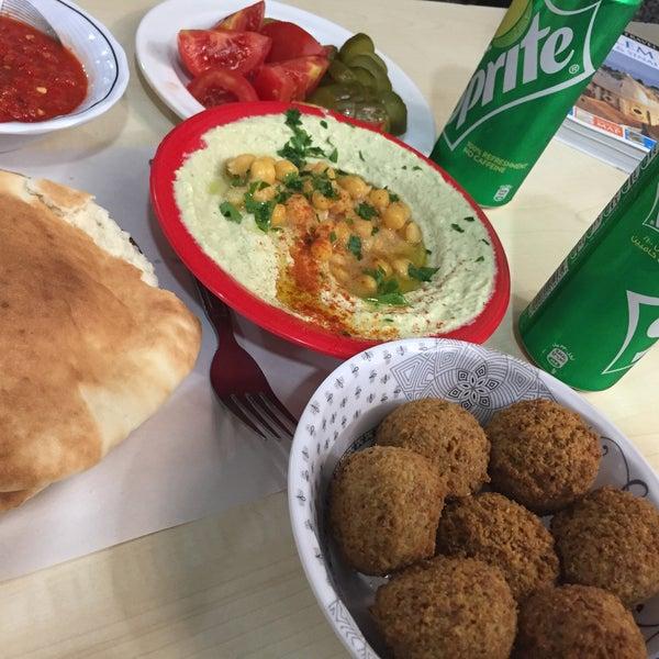 Abu shukri restaurant falafel restaurant - Cuisine bernard falafel ...