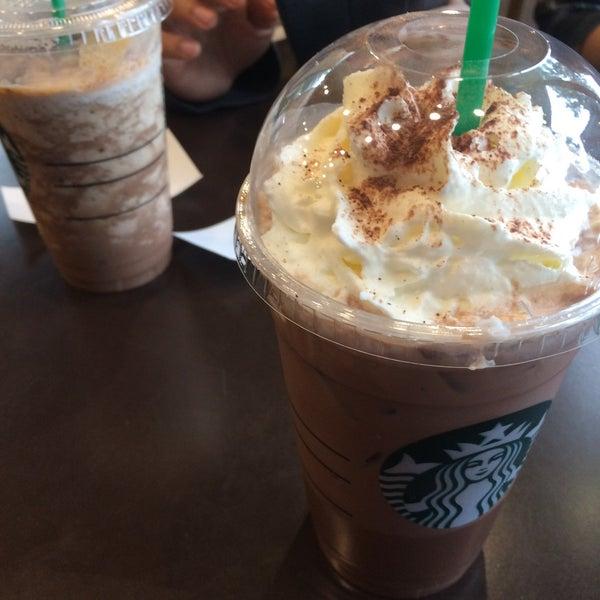 Photo taken at Starbucks by Ice J. P. on 2/22/2017