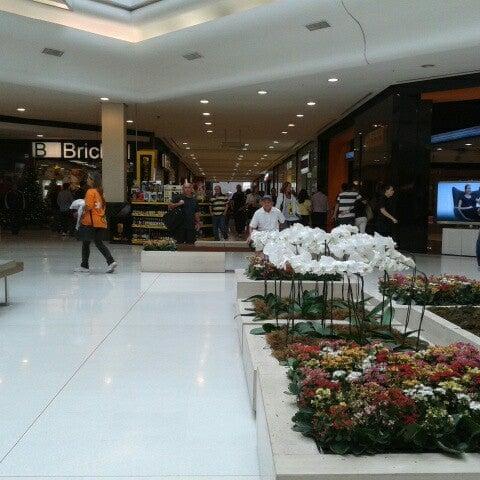 Photo taken at Shopping Iguatemi by Renato S. on 10/31/2012