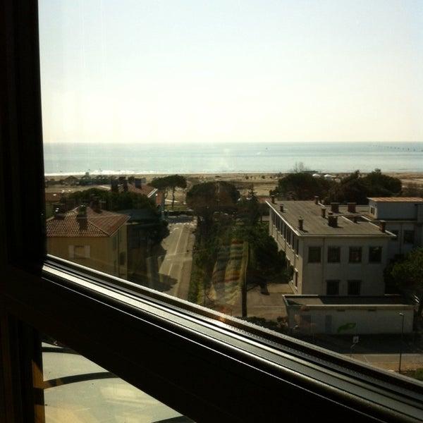 Foto scattata a Laguna Sky Restaurant da Silvie S. il 3/7/2014