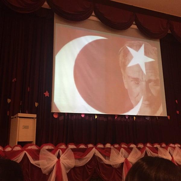 10/29/2015 tarihinde Nejat D.ziyaretçi tarafından Sarıyer Evyap Koleji'de çekilen fotoğraf