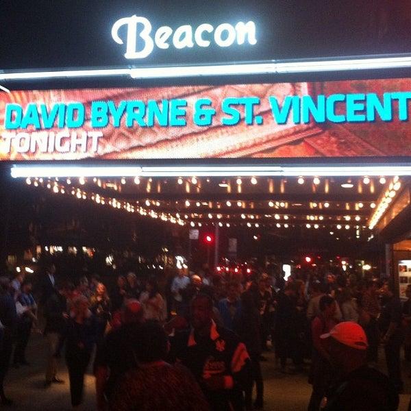 รูปภาพถ่ายที่ Beacon Theatre โดย Dave M. เมื่อ 9/26/2012