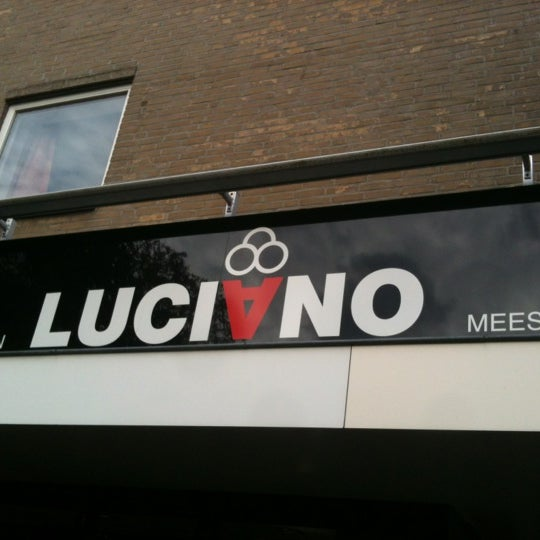 Photo taken at Luciano's ijssalon by Ronald V. on 10/28/2012