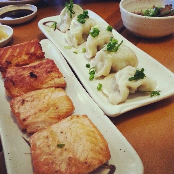 Foto tirada no(a) Sushi Koba por Paloma Silva em 6/2/2014