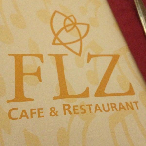 12/25/2012 tarihinde StariousB ♣.ziyaretçi tarafından Flz Cafe & Restaurant'de çekilen fotoğraf