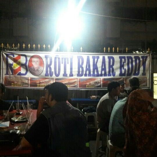 Photo taken at Roti Bakar Eddy by Dani S. on 6/22/2016