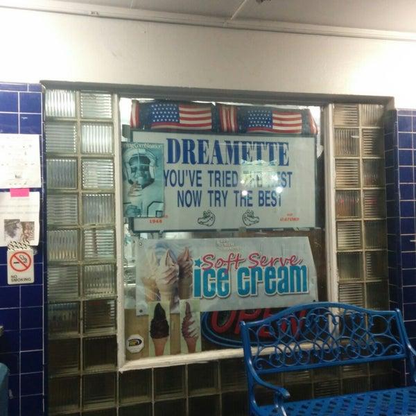 Photo taken at Dreamette by Kat M. on 11/8/2014
