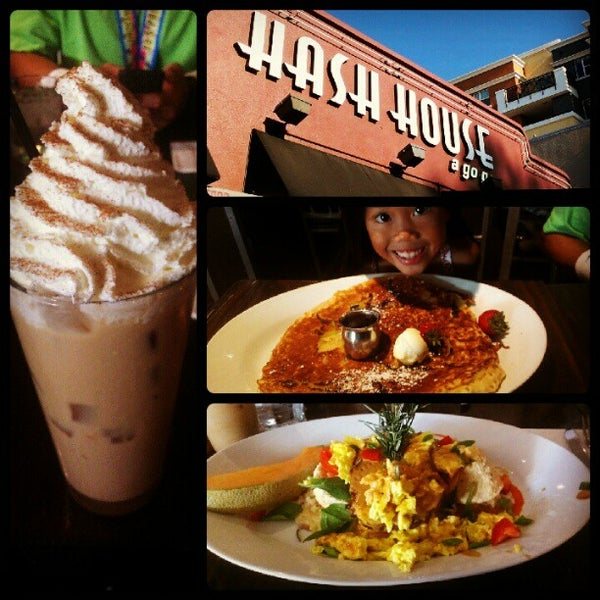 Photo taken at Hash House a Go Go by Michelle-Lynne M. on 10/27/2012
