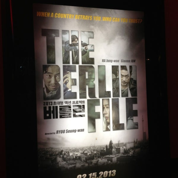 Photo taken at Regal Cinemas Fairfax Towne Center 10 by Liv H. on 2/23/2013