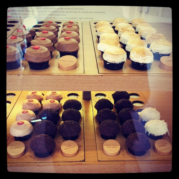 Photo taken at Sprinkles Cupcakes by MYKAL™ on 4/20/2013