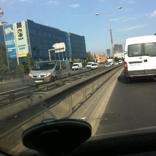 11/20/2012 tarihinde Zeynel A.ziyaretçi tarafından Basın Ekspres Yolu'de çekilen fotoğraf