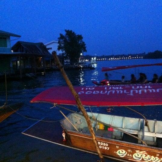 Photo taken at Baan Chom View by Teeravee P. on 10/26/2012