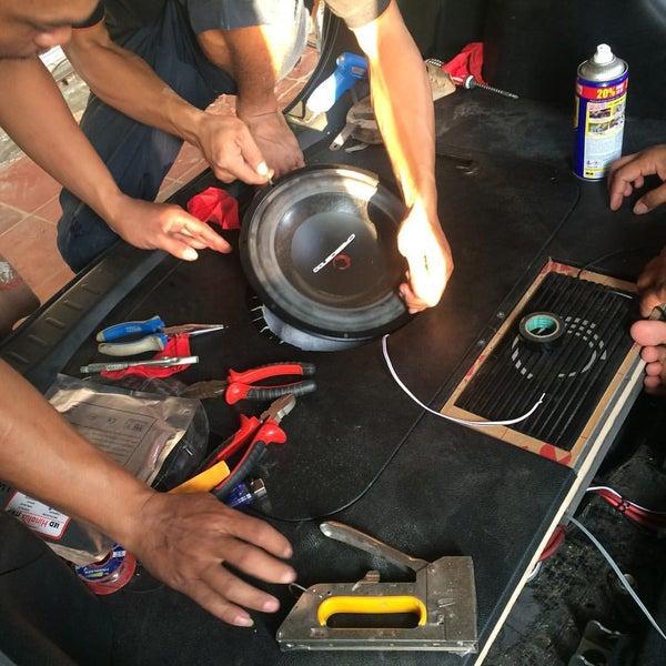 Photo taken at Pasar Mobil Kemayoran by Suryadi S. on 6/22/2016