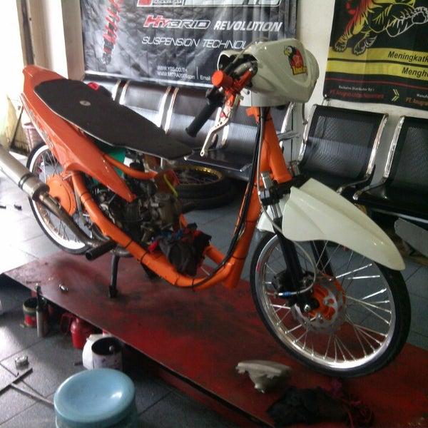 Victory Motor Jombang Jl Kh Wahid Hasyim 01