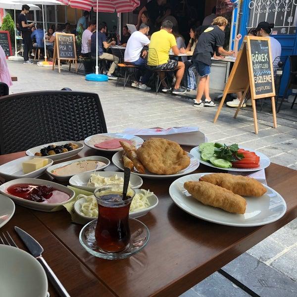 9/22/2018 tarihinde Gzemziyaretçi tarafından Fiskos Kahvaltı Cafe'de çekilen fotoğraf