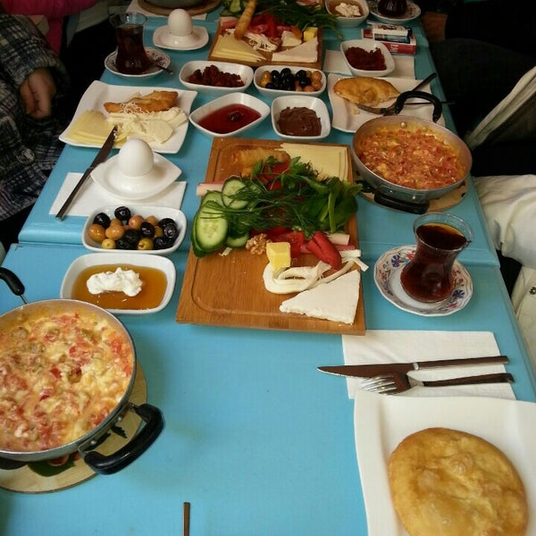 3/27/2016 tarihinde Evrim T.ziyaretçi tarafından Otlangaç Kahvaltı & Kafe'de çekilen fotoğraf