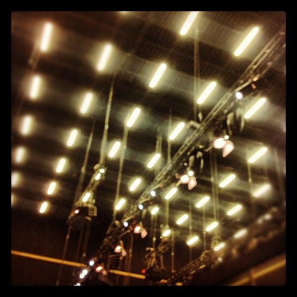 Das Foto wurde bei Cité du Cinéma von Cédric am 10/4/2012 aufgenommen