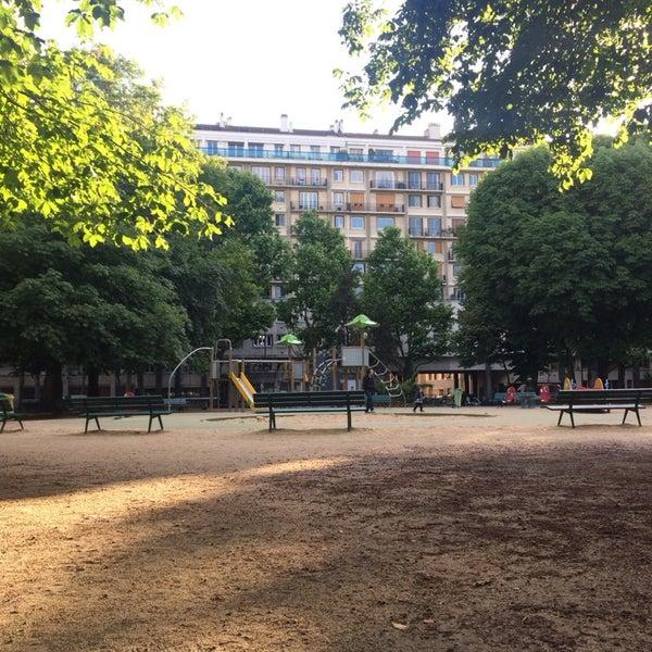 Photos at Jardins de la Porte de Saint-Cloud - Auteuil - 3 tips from ...