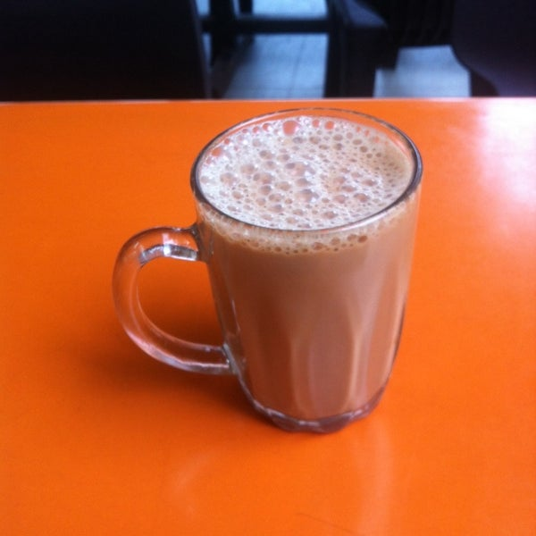 Photo taken at Thohirah Restaurant by Azmano L. on 10/18/2014