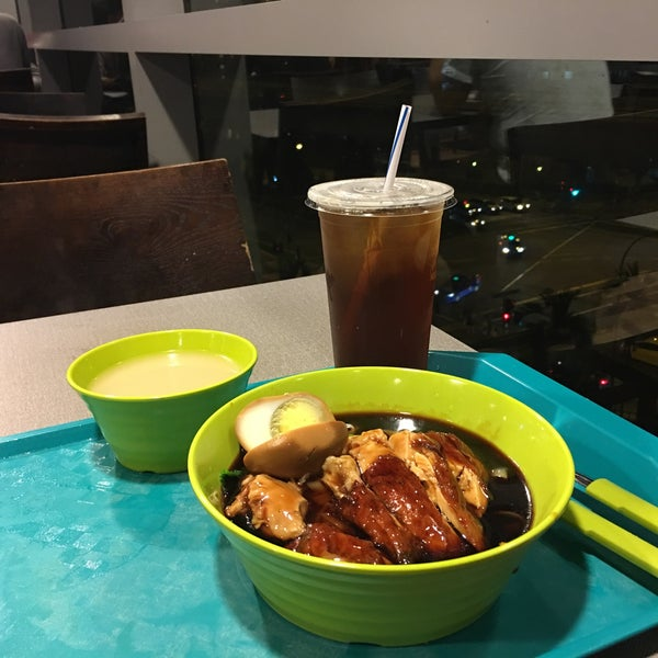 Photo taken at Food Junction by H M. on 5/23/2017