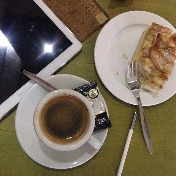 Das Foto wurde bei Die Kaffee Privatrösterei von Royal am 12/23/2015 aufgenommen