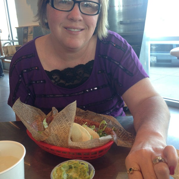 Photo taken at Chipotle Mexican Grill by Jeremie M. on 5/12/2013