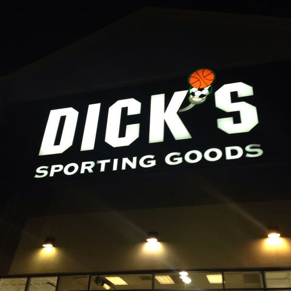 Photo taken at DICK'S Sporting Goods by LotPop J. on 1/22/2014