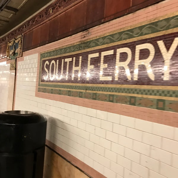 Photo taken at MTA Subway - South Ferry (1) by 近藤 嘉. on 2/28/2017