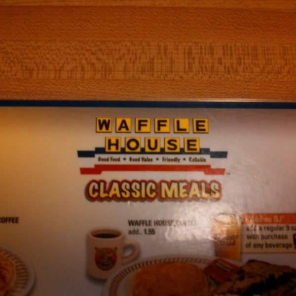 Photo taken at Waffle House by Ken C. on 7/26/2013