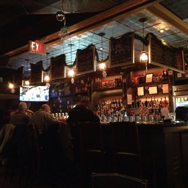 Photo taken at King's Head Pub by Seulki on 1/21/2014