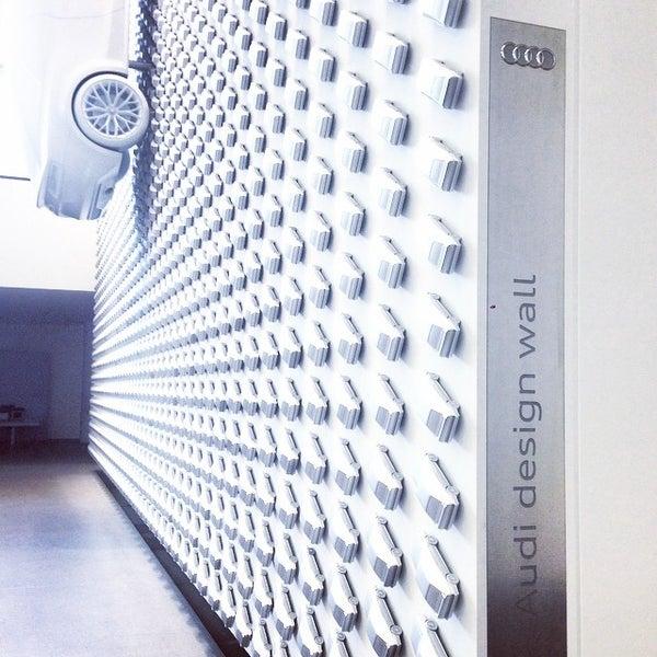 Photo taken at Pinakothek der Moderne by Yat Yiu Y. on 8/19/2014