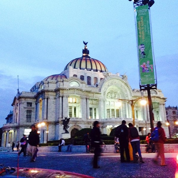 Foto tomada en Palacio de Bellas Artes por Alexis G. el 7/19/2013