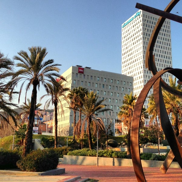Hotel ibis barcelona santa coloma santa coloma de for Chiquipark en santa coloma de gramenet