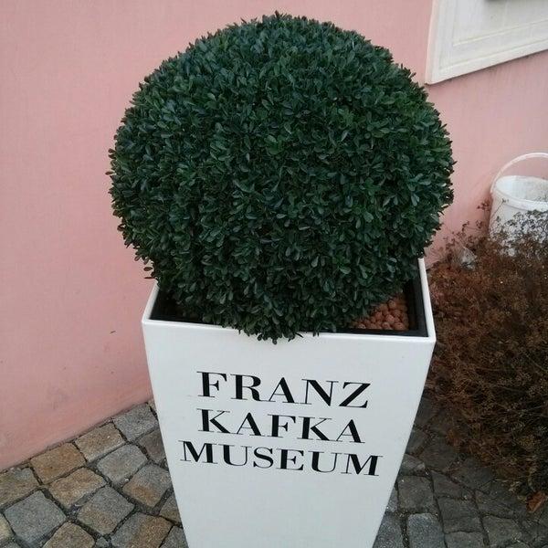 12/28/2013 tarihinde Sean C.ziyaretçi tarafından Franz Kafka Museum'de çekilen fotoğraf