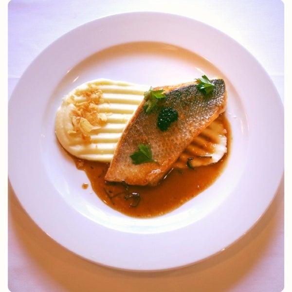 Только сегодня специальное блюдо от шефа -  филе дорады с картофельным пюре и трюфельным соусом. Цена 160грн
