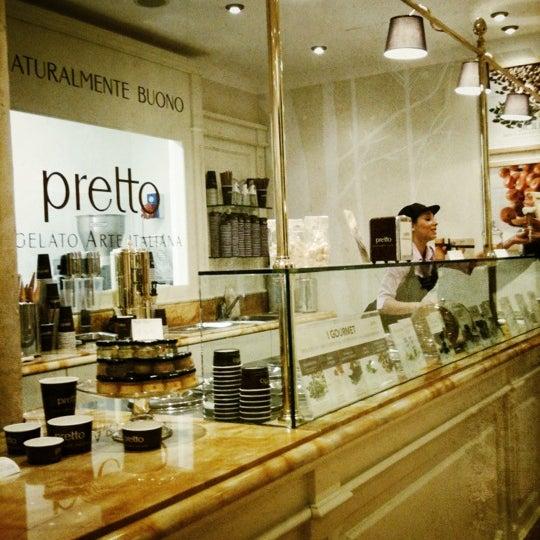 Foto scattata a Pretto Gelato Arte Italiana da Maria Grazia il 10/26/2012