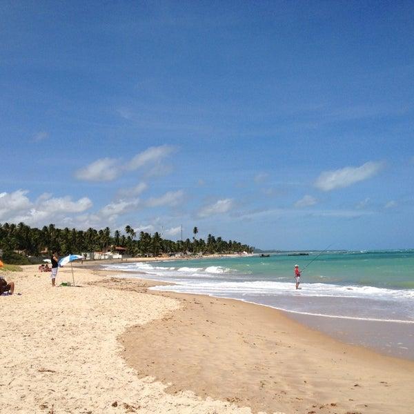 Foto tirada no(a) Praia de Guaxuma por Marcelo C. em 12/23/2012