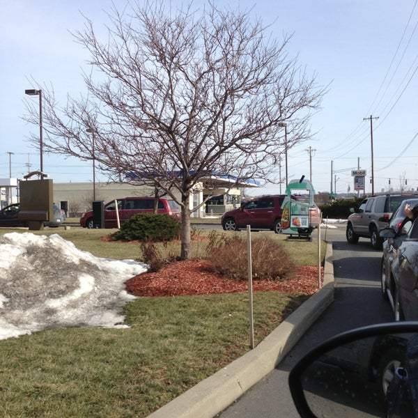 Photo taken at Taco Bell by Concetta L. on 2/26/2013